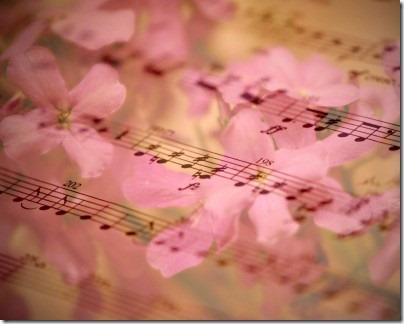 ピンクの花びらに音符