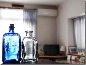 透明なガラス瓶2個