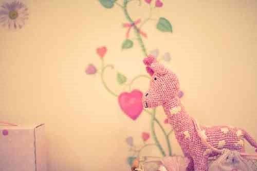 ピンクの馬