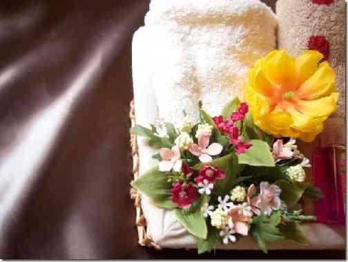 タオルと花