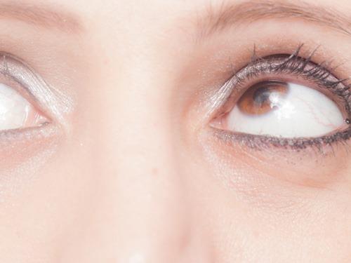 目のエクササイズ中